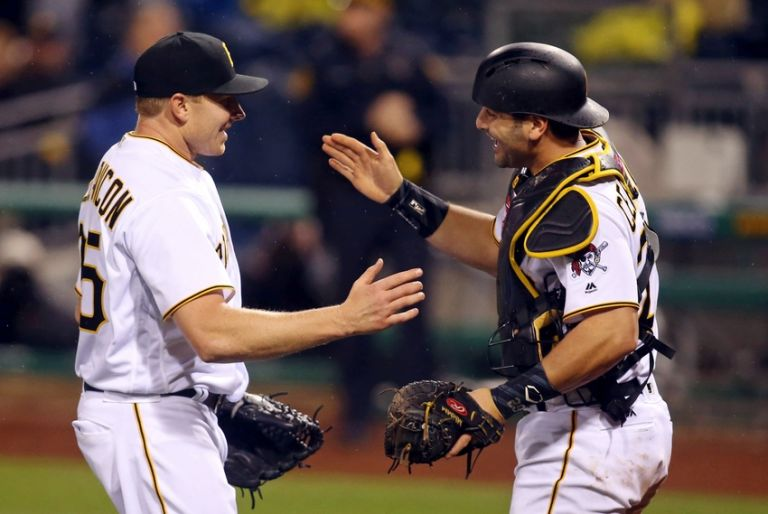 Francisco-cervelli-mark-melancon-mlb-cincinnati-reds-pittsburgh-pirates-768x514