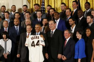 Bruce-bochy-barack-obama-larry-baer-mlb-san-francisco-giants-white-house-visit-300x600
