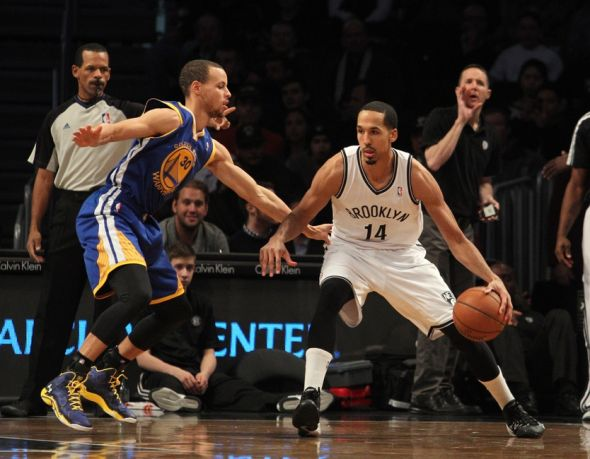 Curry Guarding Livingston