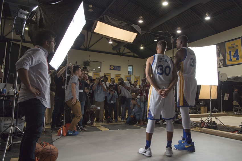 9568079-kevin-durant-stephen-curry-nba-golden-state-warriors-media-day