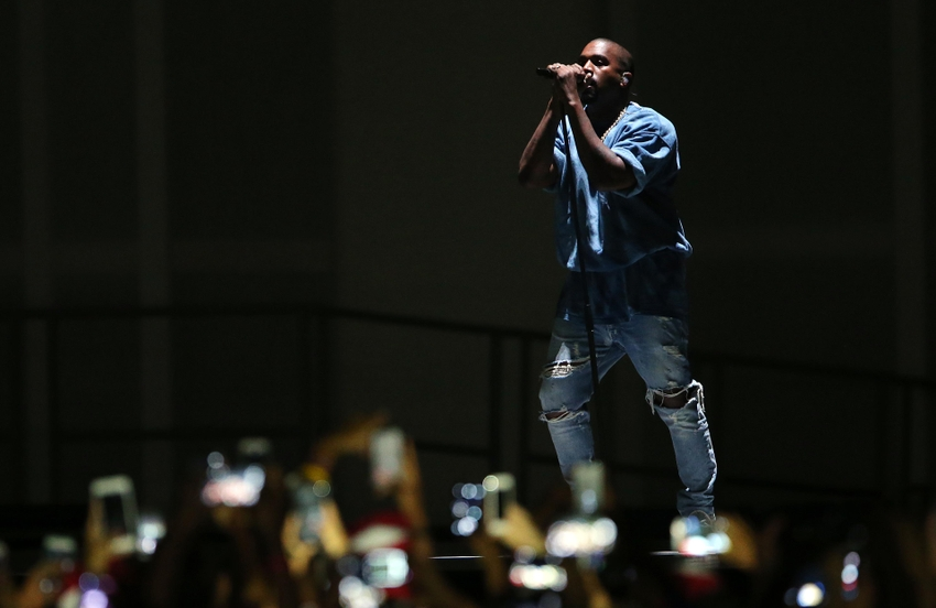 8720279-kanye-west-pan-am-games-closing-ceremony
