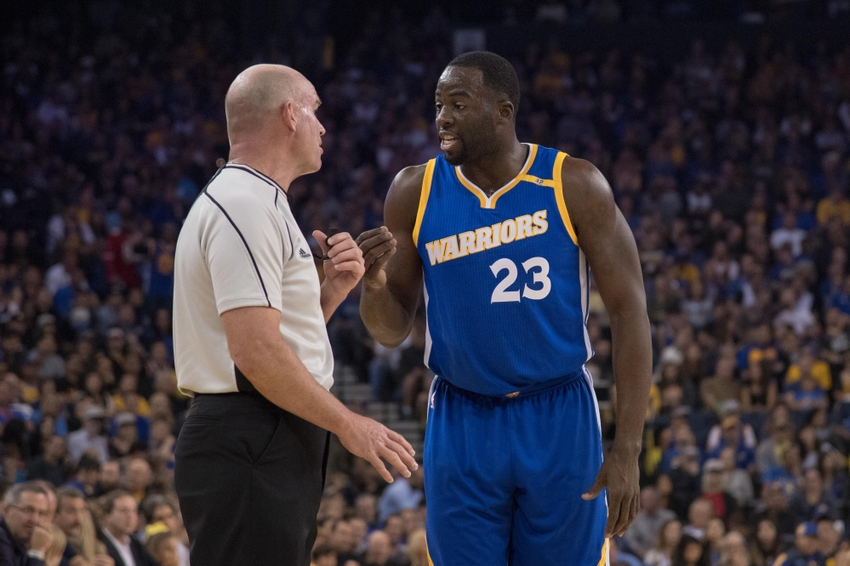 November 13, 2016; Oakland, CA, USA; Golden State Warriors forward Draymond Green (23) argues with NBA referee Gary Zielinski (59) during the first quarter against the Phoenix Suns at Oracle Arena. The Warriors defeated the Suns 133-120. Mandatory Credit: Kyle Terada-USA TODAY Sports