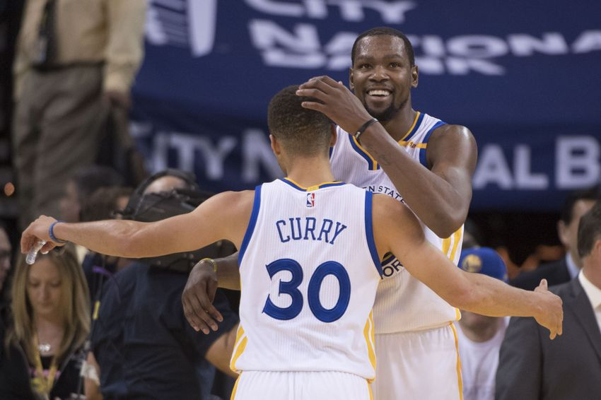 9773649-stephen-curry-kevin-durant-nba-toronto-raptors-golden-state-warriors-1