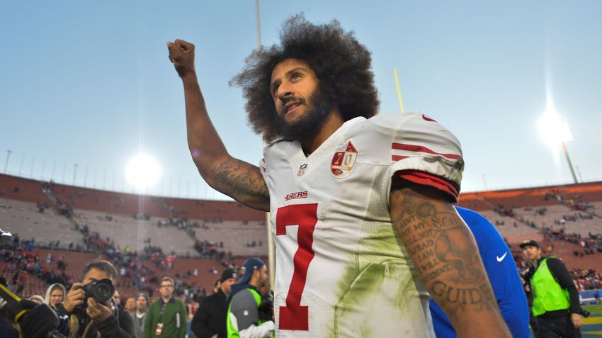 9767585-colin-kaepernick-nfl-san-francisco-49ers-los-angeles-rams