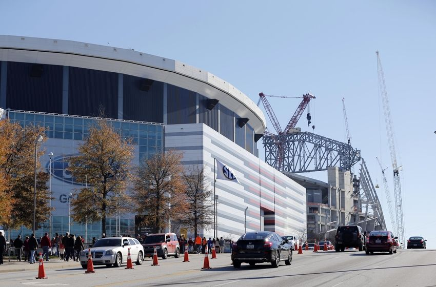 Atlanta falcons mercedes benz stadium interview for Mercedes benz dome