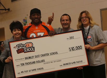 Broncos Willis Mcgahee Talks To Students About Staying Active