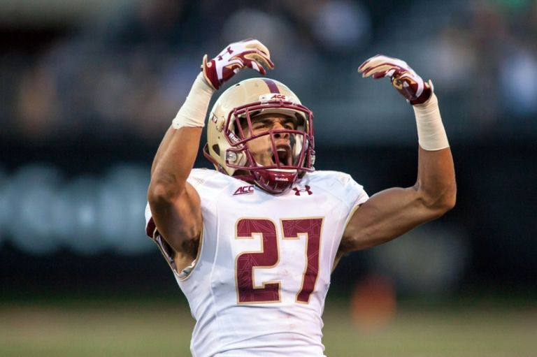 Justin-simmons-ncaa-football-boston-college-wake-forest-1-768x511