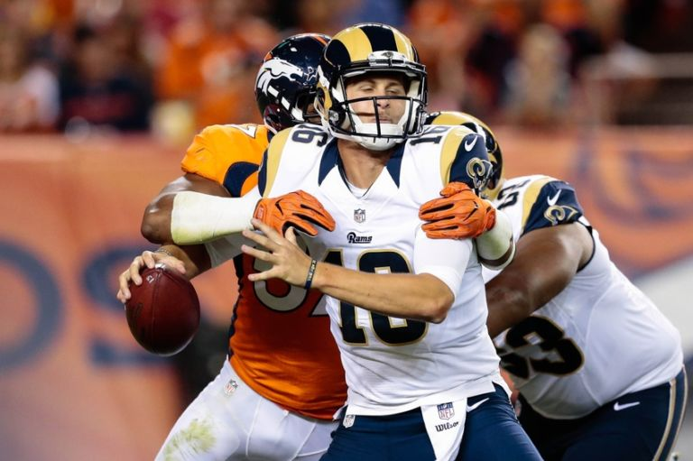 9504179-dekoda-watson-jared-goff-nfl-preseason-los-angeles-rams-denver-broncos-768x511