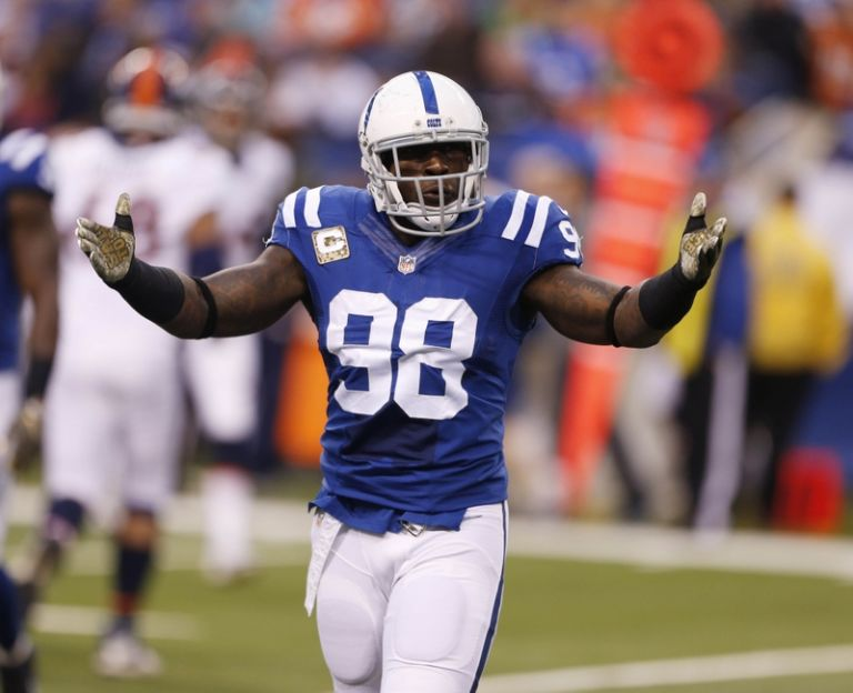 Robert-mathis-nfl-denver-broncos-indianapolis-colts-768x0