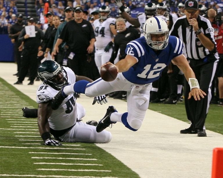 8089506-andrew-luck-fletcher-cox-nfl-philadelphia-eagles-indianapolis-colts-1-768x615