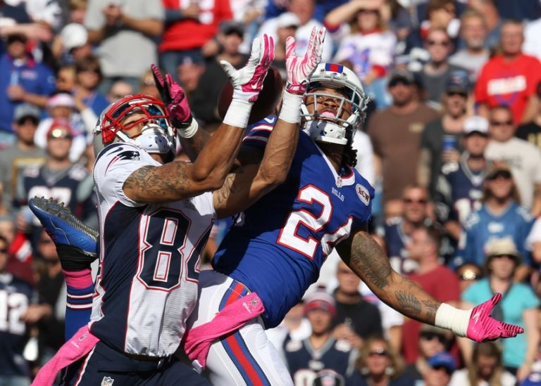 Brian-tyms-stephon-gilmore-nfl-new-england-patriots-buffalo-bills-768x0