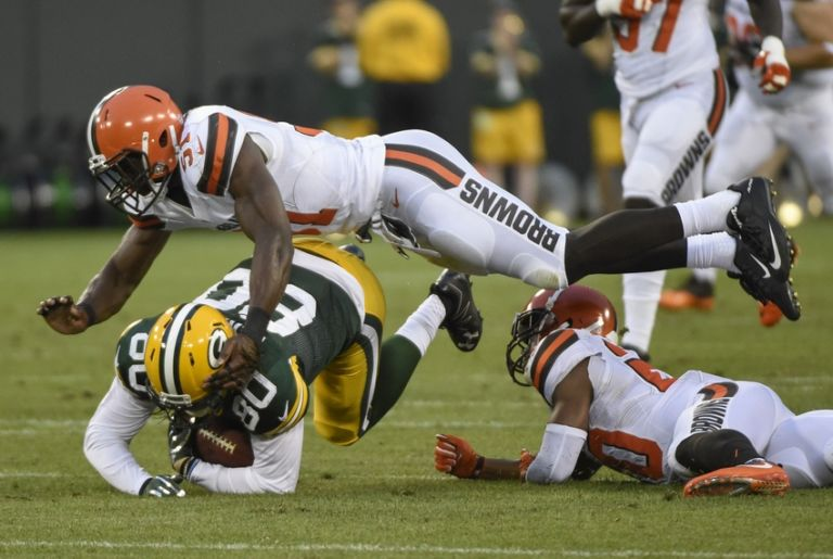 9454401-barkevious-mingo-justin-perillo-nfl-preseason-cleveland-browns-green-bay-packers-768x515