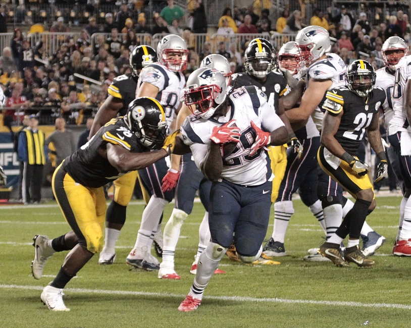 9629418-vince-williams-legarrette-blount-nfl-new-england-patriots-pittsburgh-steelers