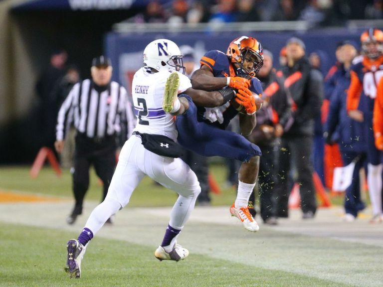 Traveon-henry-ncaa-football-northwestern-illinois-768x576