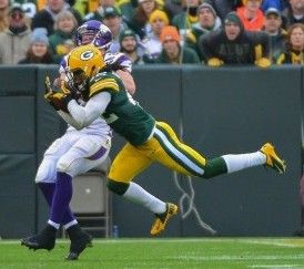 Morgan Burnett (42) intercepts a pass. Benny Sieu-USA TODAY Sports photograph