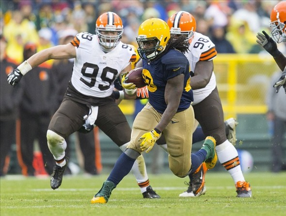 Running back Eddie Lacy rushes with the football during the second quarter against the Cleveland Browns at Lambeau Field. Jeff Hanisch-USA TODAY Sports photograph