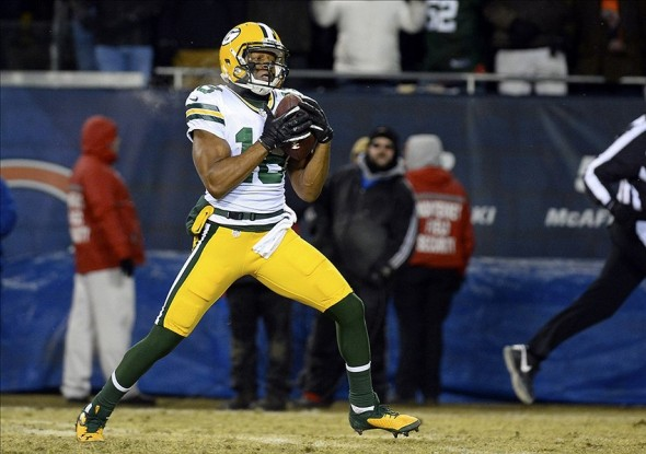 Randall Cobb (18) catches the game-winning touchdown against the Chicago Bears. Mike DiNovo-USA TODAY Sports photograph