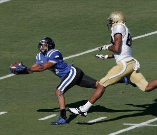 Duke Blue Devils cornerback Ross Cockrell (6) intercepts the ball in front of Georgia Tech Yellow Jackets wide receiver Darren Waller (88). Mark Dolejs-USA TODAY Sports