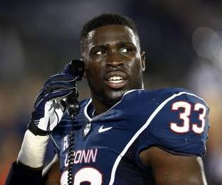 Connecticut Huskies linebacker Yawin Smallwood (33). Mark L. Baer-USA TODAY Sports