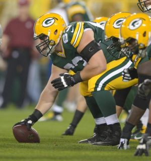 Green Bay Packers center Corey Linsley sets to snap the ball. Kirby Lee-USA TODAY Sports