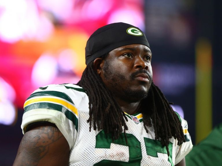 Eddie-lacy-nfl-nfc-divisional-green-bay-packers-arizona-cardinals-768x0