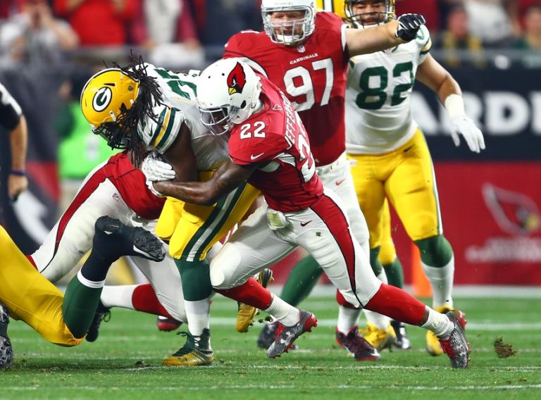 Eddie-lacy-tony-jefferson-nfl-nfc-divisional-green-bay-packers-arizona-cardinals-768x0