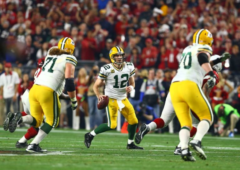 9442122-aaron-rodgers-nfl-nfc-divisional-green-bay-packers-arizona-cardinals-768x545