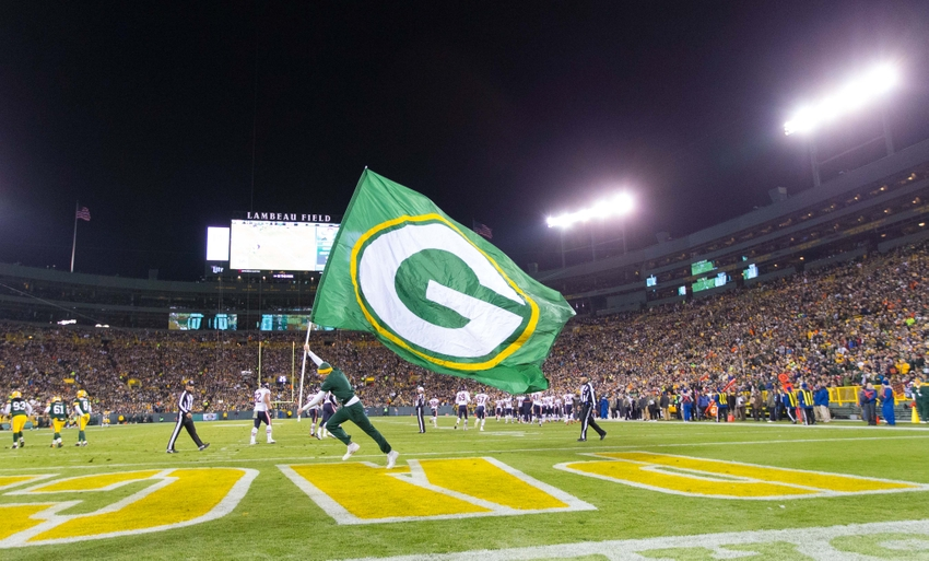 8201636-nfl-chicago-bears-green-bay-packers