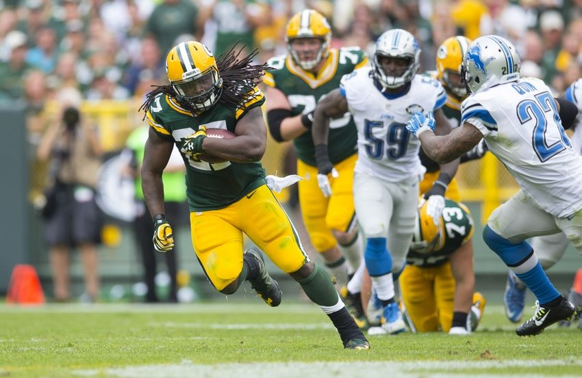 Sep 25, 2016; Green Bay, WI, USA; Green Bay Packers running back Eddie Lacy (27) rushes with the football during the fourth quarter against the Detroit Lions at Lambeau Field. Green Bay won 34-27. Mandatory Credit: Jeff Hanisch-USA TODAY Sports