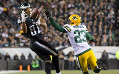 Philadelphia Eagles wide receiver Jordan Matthews (81) makes a reception past Green Bay Packers cornerback Damarious Randall (23) during the second quarter at Lincoln Financial Field. Bill Streicher-USA TODAY Sports
