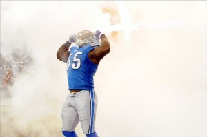 Sep 18, 2011; Detroit, MI, USA; Detroit Lions middle linebacker Stephen Tulloch (55) is announced before the game against the Kansas City Chiefs at Ford Field. Mandatory Credit: Tim Fuller-US PRESSWIRE