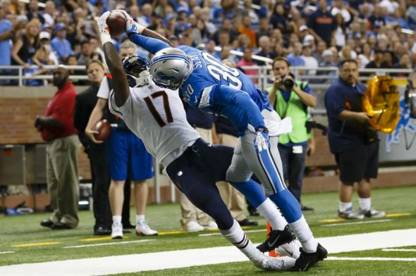 Sep 29, 2013; Detroit, MI, USA; Chicago Bears wide receiver Alshon Jeffery (17) makes a touchdown reception over Detroit Lions cornerback Darius Slay (30) in the fourth quarter at Ford Field. The Lions won 40-32. Mandatory Credit: Rick Osentoski-USA TODAY Sports