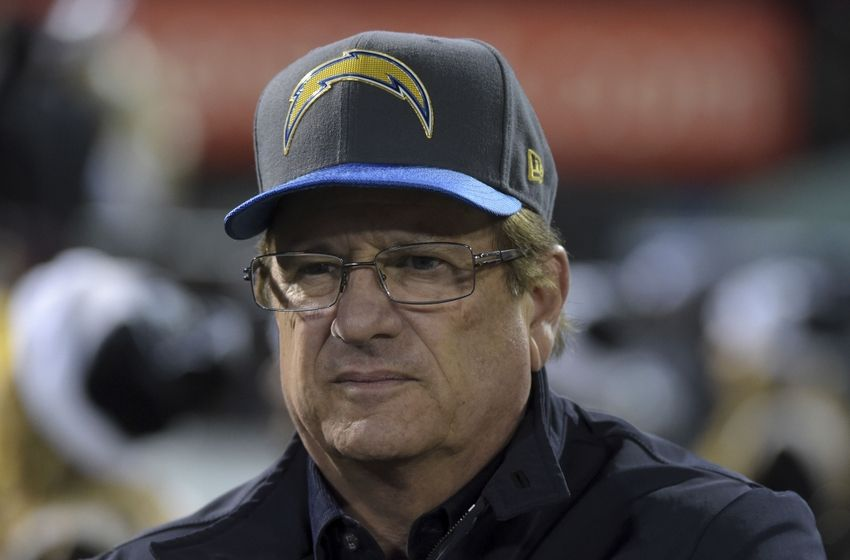 Spanos says Chargers to stay in San Diego in 2016