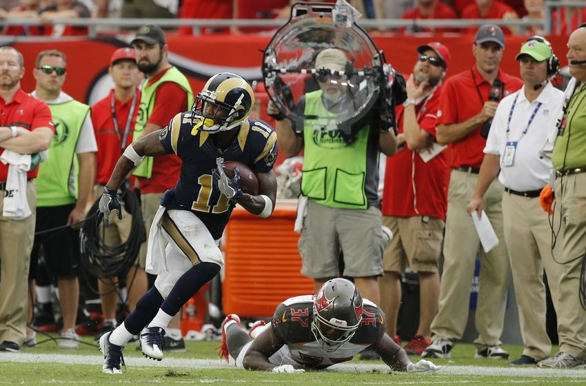 f9d60ed30d0 Sep 25, 2016; Tampa, FL, USA; Los Angeles Rams wide receiver Tavon Austin ( 11) catches the ball and runs it in for a touchdown against the Tampa Bay  ...