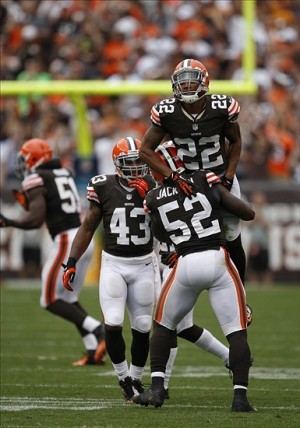 Sep 29, 2013; Cleveland, OH, USA; Cleveland Browns inside linebacker D