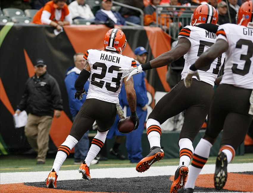 Nov 17, 2013; Cincinnati, OH, USA; Cleveland Browns defensive back Joe Haden (23) runs an interception in for touchdown against the Cincinnati Bengals at Paul Brown Stadium. Mandatory Credit: Mark Zerof-USA TODAY Sports