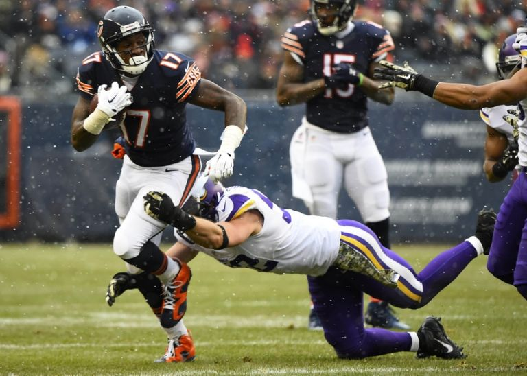 Alshon-jeffery-tom-johnson-nfl-minnesota-vikings-chicago-bears-768x0