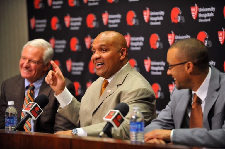 Jimmy-haslam-hue-jackson-nfl-cleveland-browns-press-conference-768x0