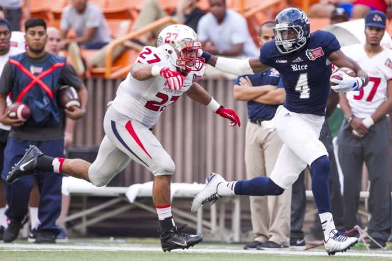 Dennis-parks-donavon-lewis-ncaa-football-hawaii-bowl-fresno-state-vs-rice-768x511