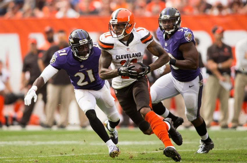 Sep 18, 2016; Cleveland, OH, USA; Cleveland Browns wide receiver Terrelle Pryor (11) runs the ball for a first down against the Baltimore Ravens during the fourth quarter at FirstEnergy Stadium. The Ravens defeated the Browns 25-20. Mandatory Credit: Scott R. Galvin-USA TODAY Sports