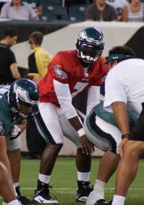 Eagles backup quarterback Michael Vick at the line of scrimmage.