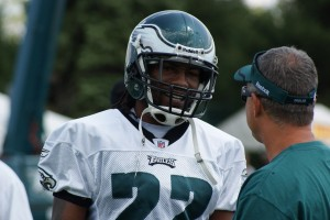 Eagles cornerback Asante Samuel thinks the defense is still trying to build chemistry. (Photo: Ryan Messick)