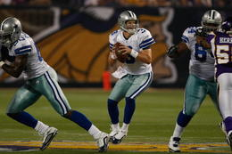 Who would have thought the Eagles would have to worry about a Jon Kitna led Dallas team? (Image Credit: Yardbarker.com)