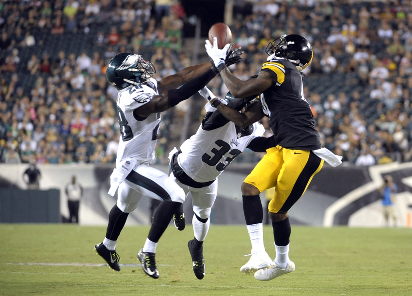Aug 21, 2014; Philadelphia, PA, USA; Philadelphia Eagles free safety Earl Wolff (28) and defensive back Davon Morgan (33) break up pass intended for Pittsburgh Steelers wide receiver Martavis Bryant (10) at Lincoln Financial Field. The Eagles defeated the Steelers, 31-21. Mandatory Credit: Eric Hartline-USA TODAY Sports