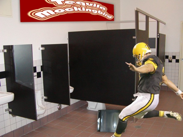 jeff-reed_paper_towel_rage_roid_dispenser_kick_kicker_steelers-610x457