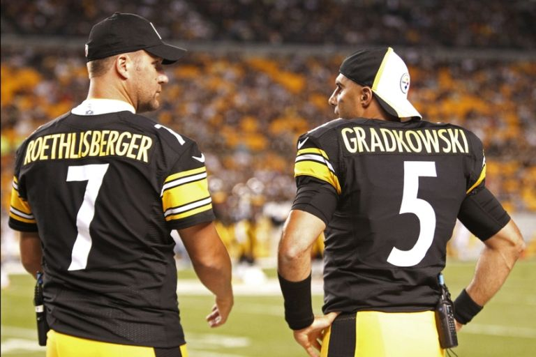 Bruce-gradkowski-ben-roethlisberger-nfl-preseason-carolina-panthers-pittsburgh-steelers-768x0