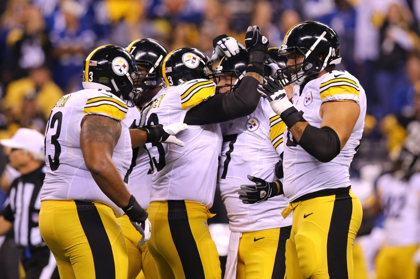 9700950-antonio-brown-ben-roethlisberger-nfl-pittsburgh-steelers-indianapolis-colts