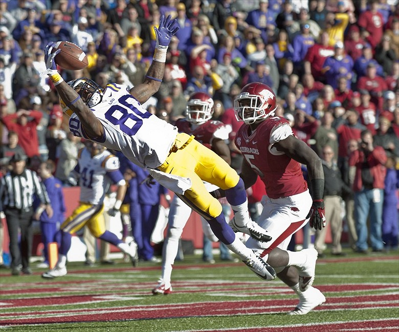 Lsu Tigers Jarvis Landry Makes Amazing One Handed Catch Gif