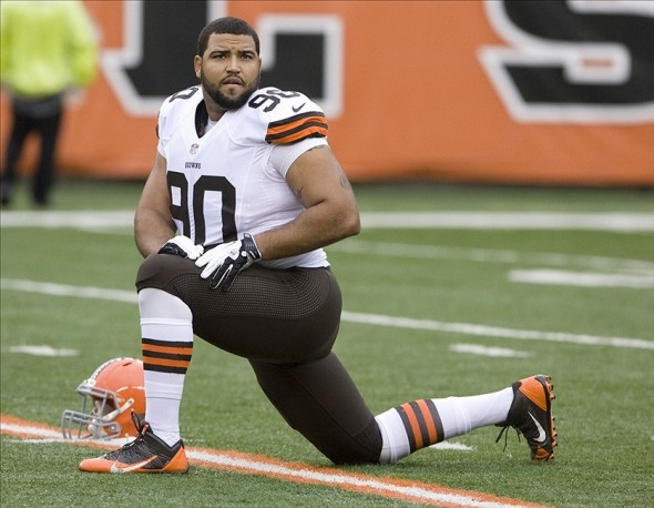 Nov 17, 2013; Cincinnati, OH, USA; Cleveland Browns defensive lineman Billy Winn (90) warms up before the game against the Cincinnati Bengals at Paul Brown Stadium. Mandatory Credit: Mark Zerof-USA TODAY Sports