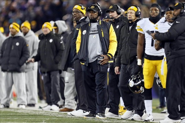 Nov 28, 2013; Baltimore, MD, USA; Pittsburgh Steelers head coach Mike Tomlin watches from the sideline against the Baltimore Ravens on Thanksgiving at M